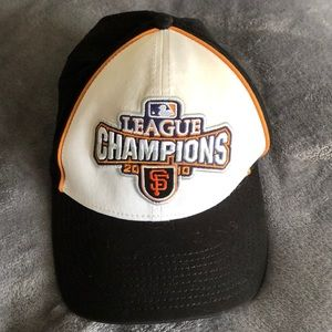 Authentic MBL SF Giants 2010 WS championship hat.